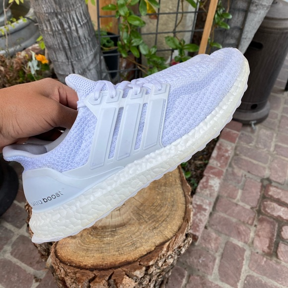 ADIDAS ULTRA BOOST | MEN | SNEAKERS | SIZE 8.5